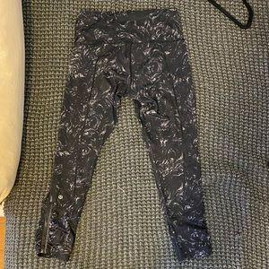 BNWOT LuluLemon B&W Marble Leggings